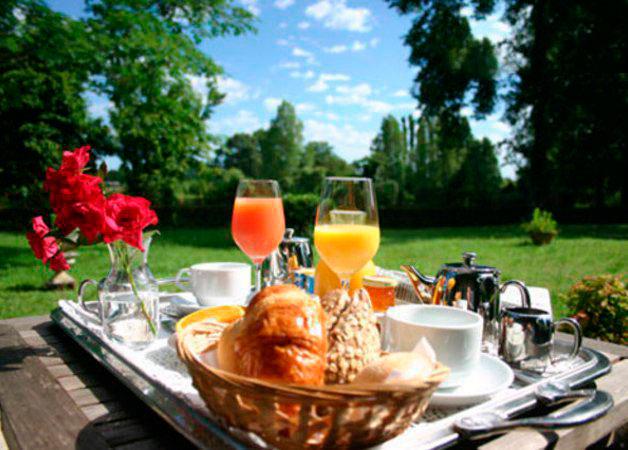 """Ресторанные новости - """"Бочка"""" предлагает завтраки на свежем воздухе"""